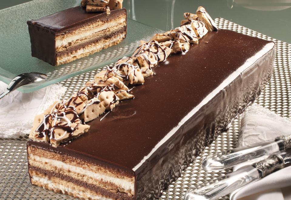 /desserts/nicht-vorportionierte-biskuitrollen-und-schnitten